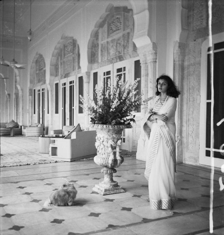 Cecil_Beaton_Photographs-_Political_and_Military_Personalities_IB698